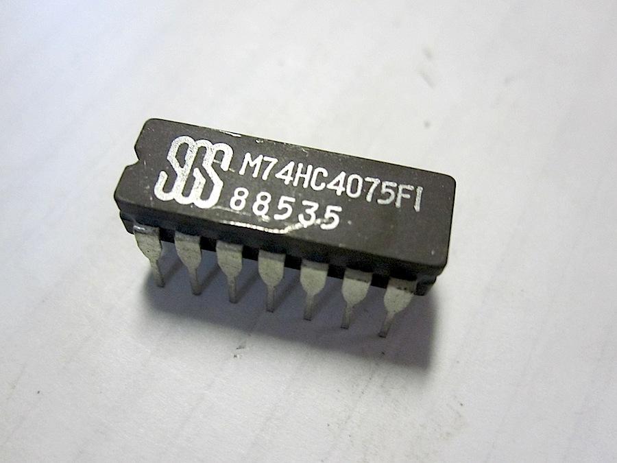 -M74HC4075--3385787705